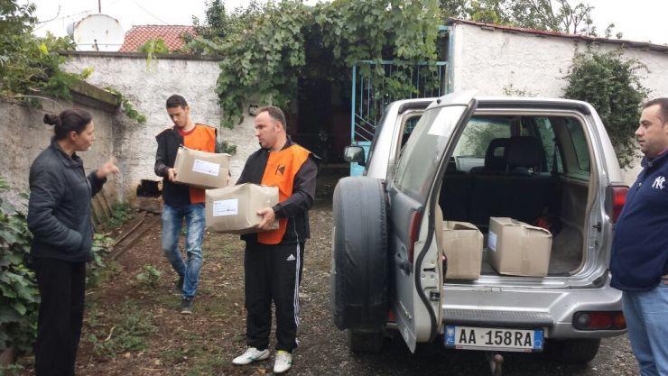 Auslieferung mit dem gesponsorten Jeep